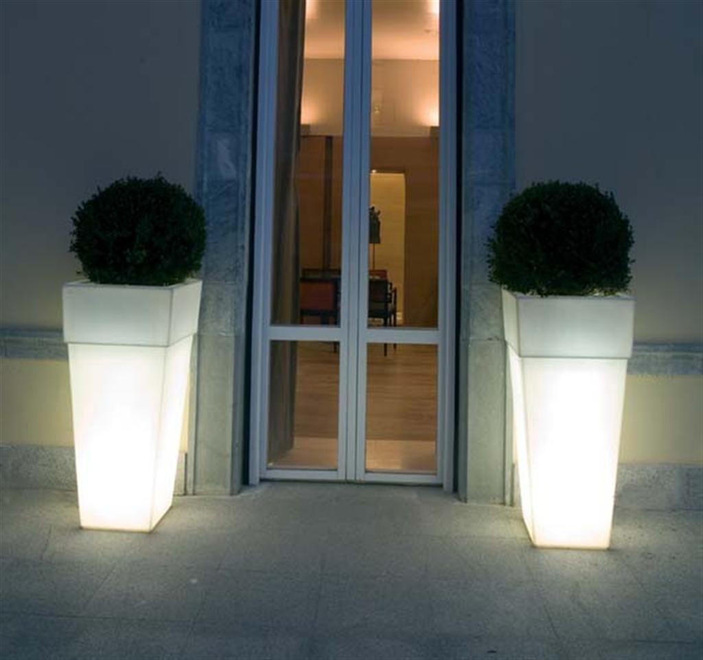 Decolight objetos iluminados for Jardineras iluminadas
