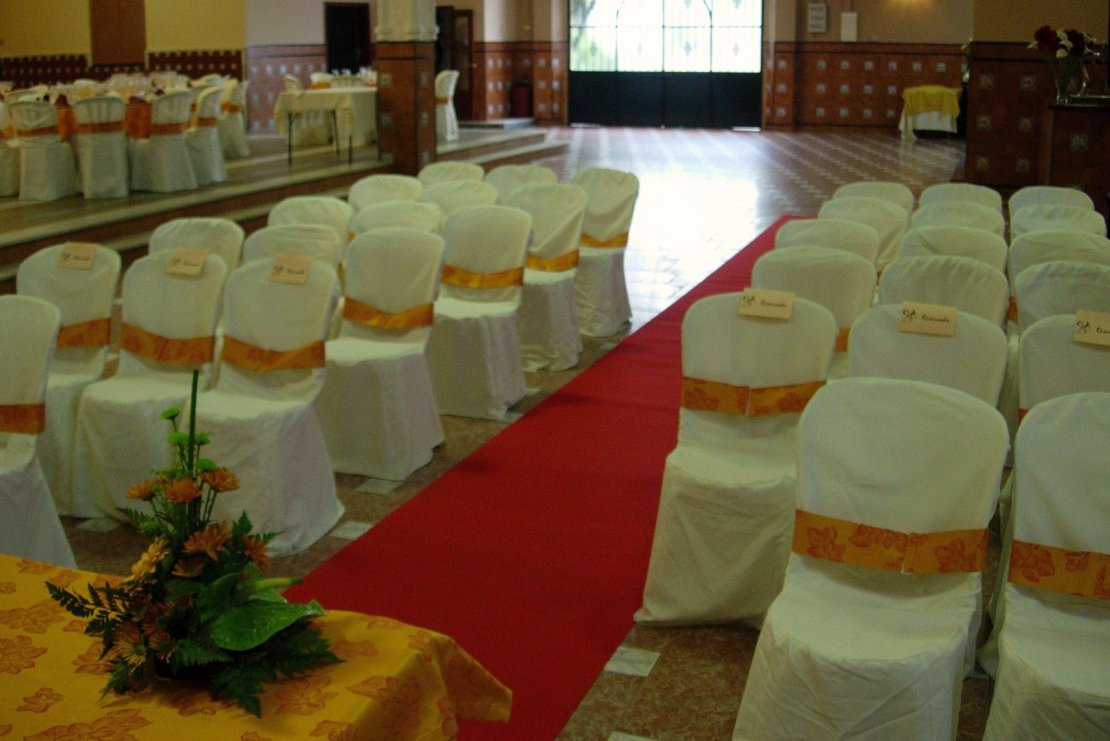 Sal n de celebraciones villa araceli for Acuario salon de celebraciones