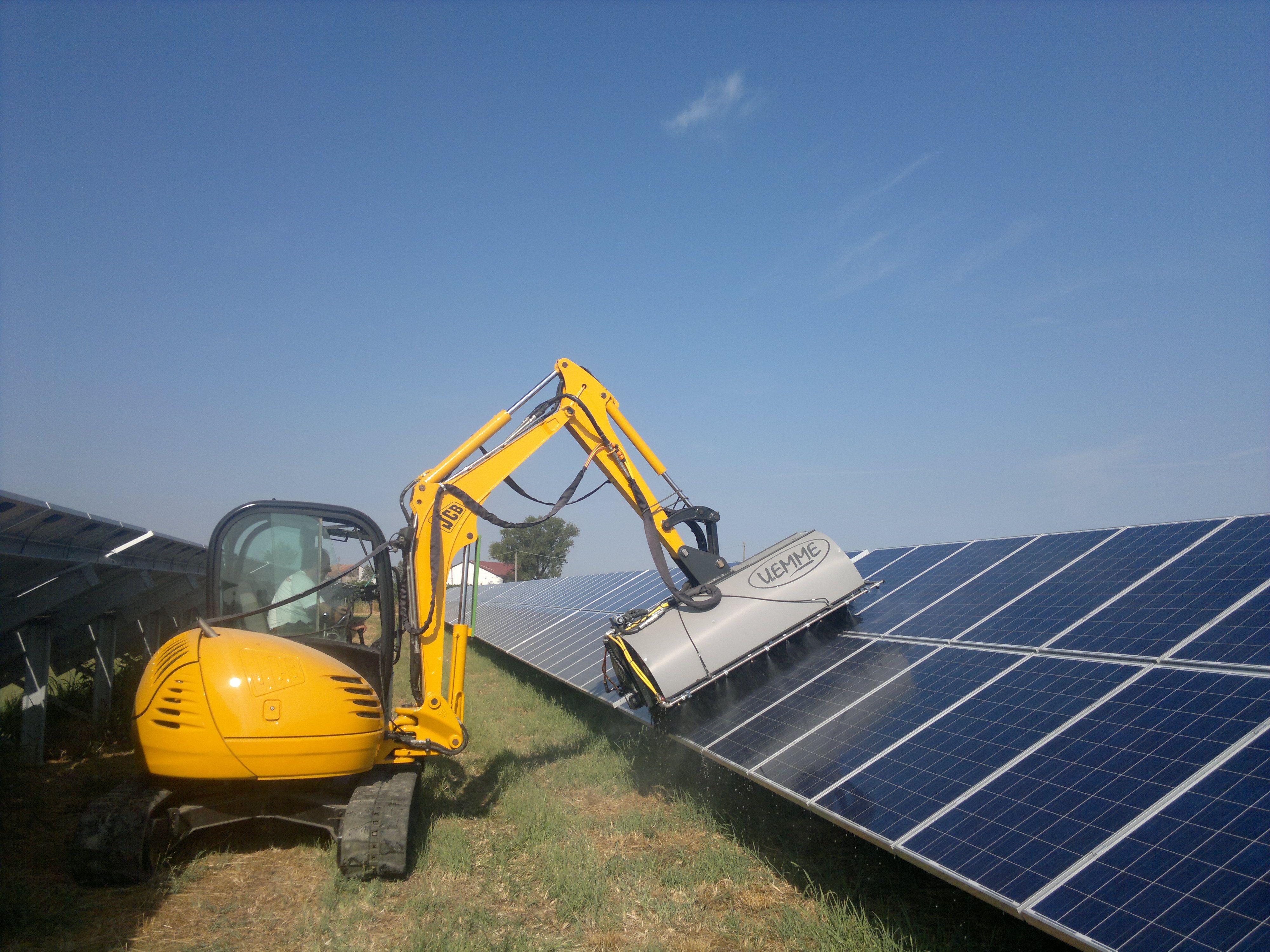 FOTOVOLTAICO PULITO , pulizia impianti fotovoltaici.