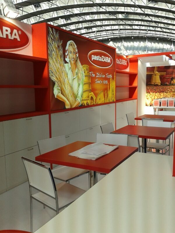 Exhibition Stand For Zara : Plma