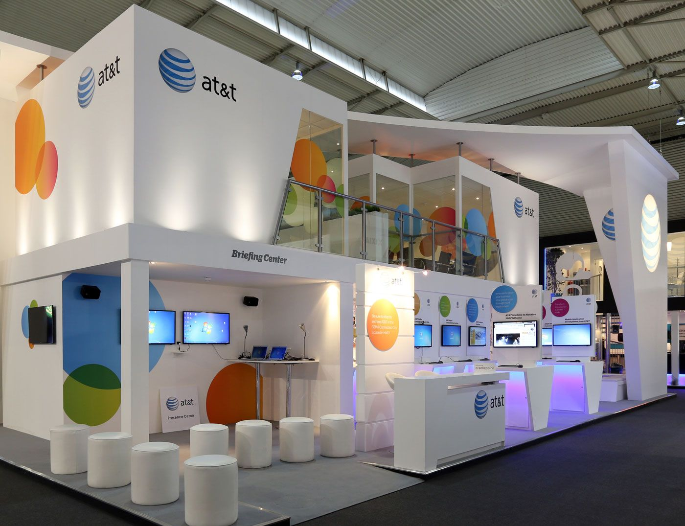 Exhibition Stand Design Qatar : Red carpet expo solution