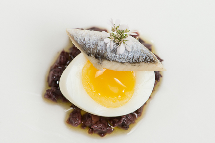 2 Minute Quail Egg White Anchovy Olive Tapenade Rye 012