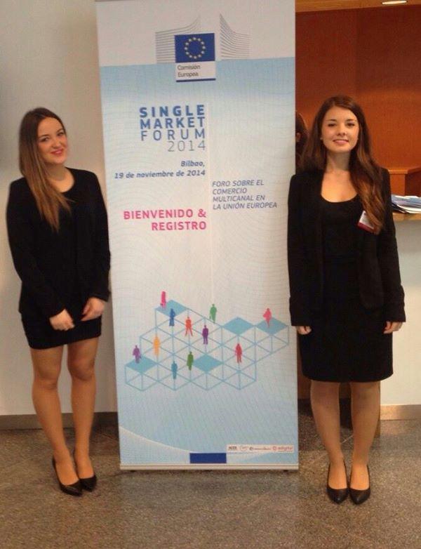 Azafatas de LeonAzafatas en la Conferencia Internacional European Commission