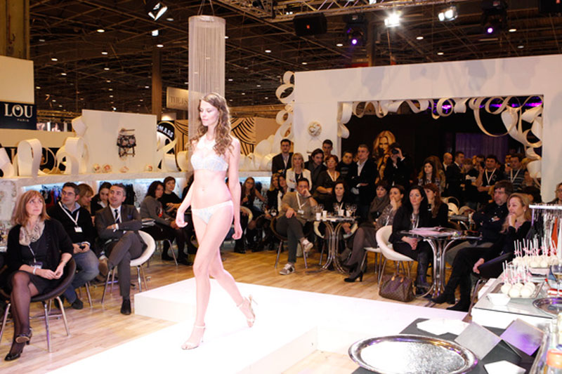 Salon international de la lingerie 2019 for Stand salon original