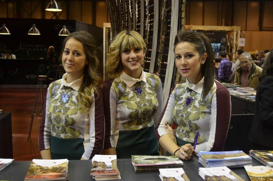 Personal de Fitur para el stand de La Rioja 1