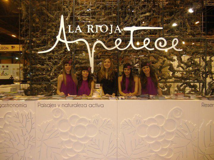 Personal de Fitur para el stand de La Rioja 6