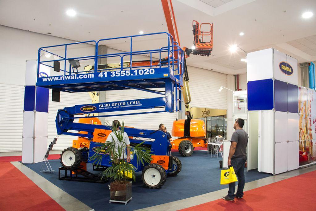 Feira Do Construtor Exhibition Area