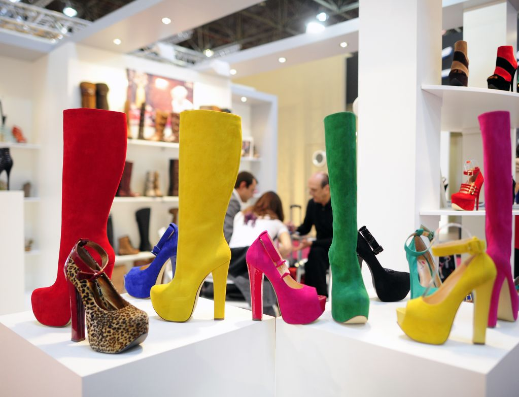 Gds Global Destination Shoes Stands