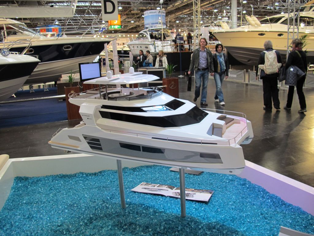 Boot D Sseldorf Stands32