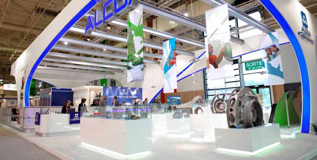 Stands in salon international de l a ronautique et de l espace for Expo design paris