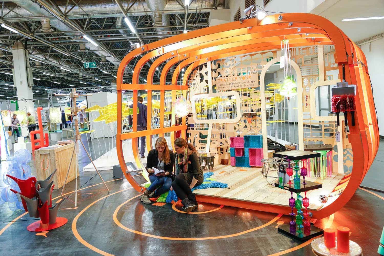 Stand de design em Colônia na feira Imm