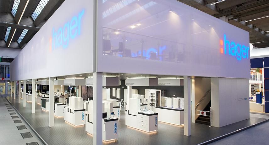 Exhibition Stand Building : Totems communication architecture gmbh