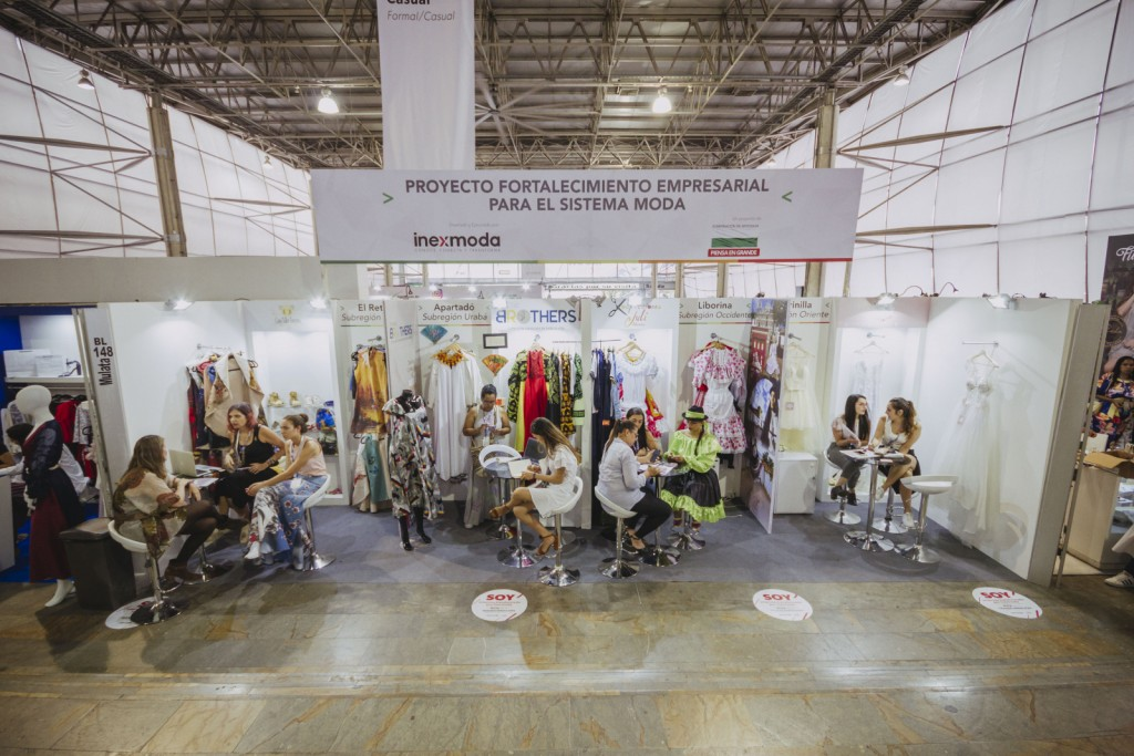 aeb099f8db91 Contamos con alrededor de 570 expositores distribuidos en los cinco  pabellones segmentados por diferentes categorías de vestuario y se resalta  la ...