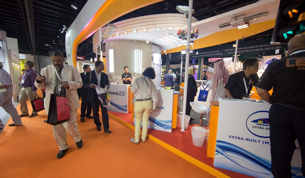 Light Middle East Stand