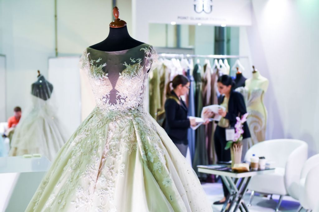 Brideshow Abudhabi Stands Dresses